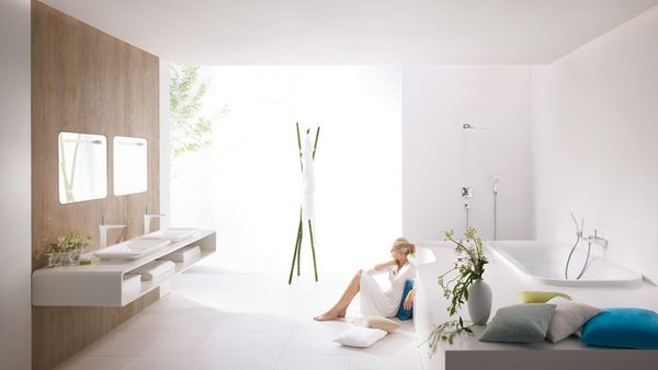 Hg_puraivda-crome-bathroom-with-woman-bottom_1154x650_rdax_730x411
